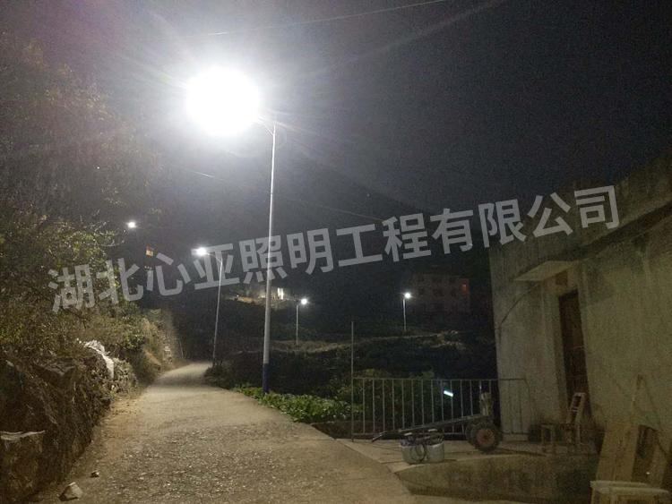 太阳能路灯夜晚效果2