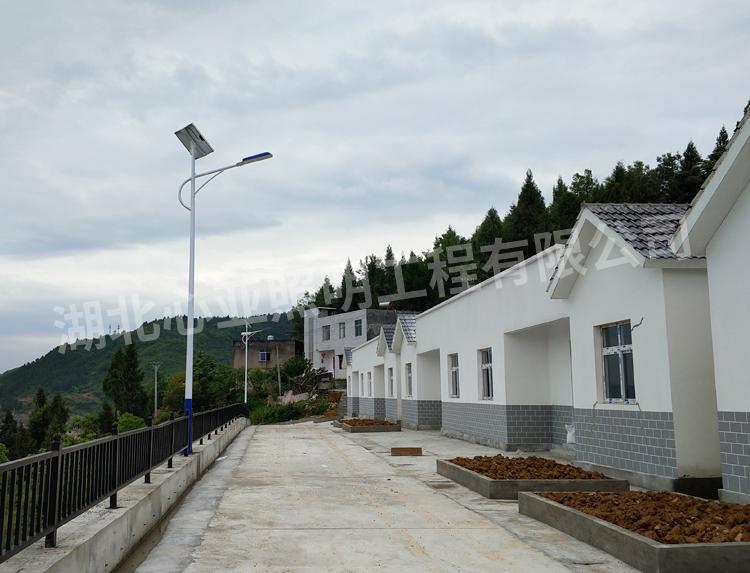 太阳能路灯安装后效果