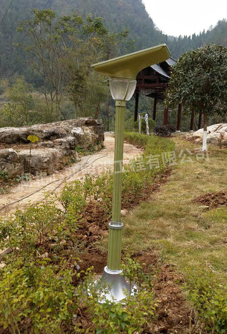 李家别墅太阳能宝莲灯安装完成图3