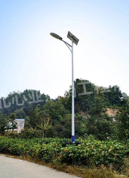 太阳能路灯安装后的效果