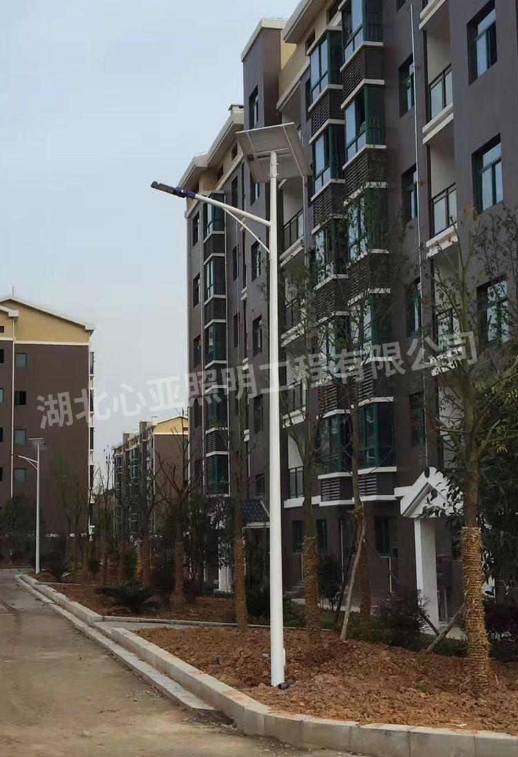 陈埫坪安置小区太阳能路灯安装完成效果