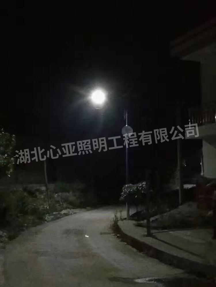 太阳能路灯面包灯夜晚效果5